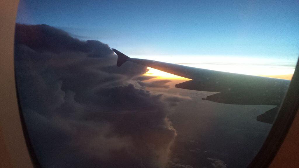 Über den Wolken, Flug nach Kambodscha. Bilder und Eindrücke aus Kambodscha - Cambodia, Siem Reap, Angkor Wat, Sihanoukville und Phnom Penh.
