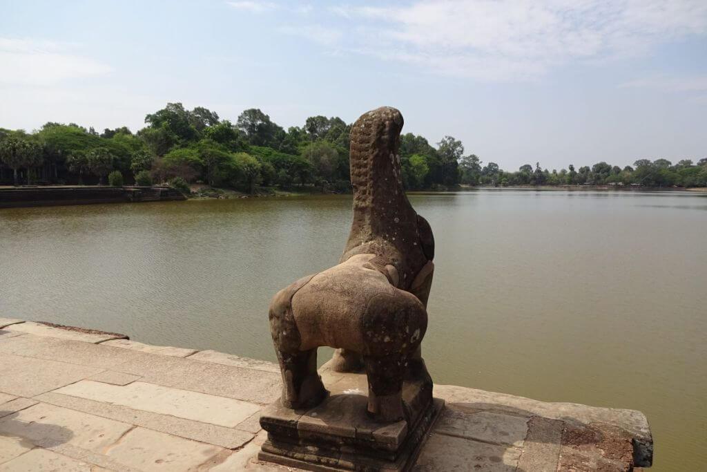 Angkor Wat Wassergraben. Bilder und Eindrücke aus Kambodscha - Cambodia, Siem Reap, Angkor Wat, Sihanoukville und Phnom Penh.