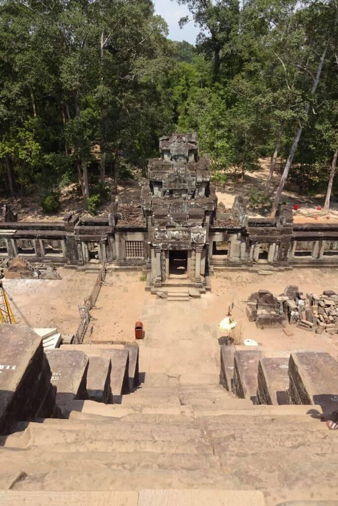 Steiler Aufstieg im Ta Keo Tempel. Bilder und Eindrücke aus Kambodscha - Cambodia, Siem Reap, Angkor Wat, Sihanoukville und Phnom Penh.