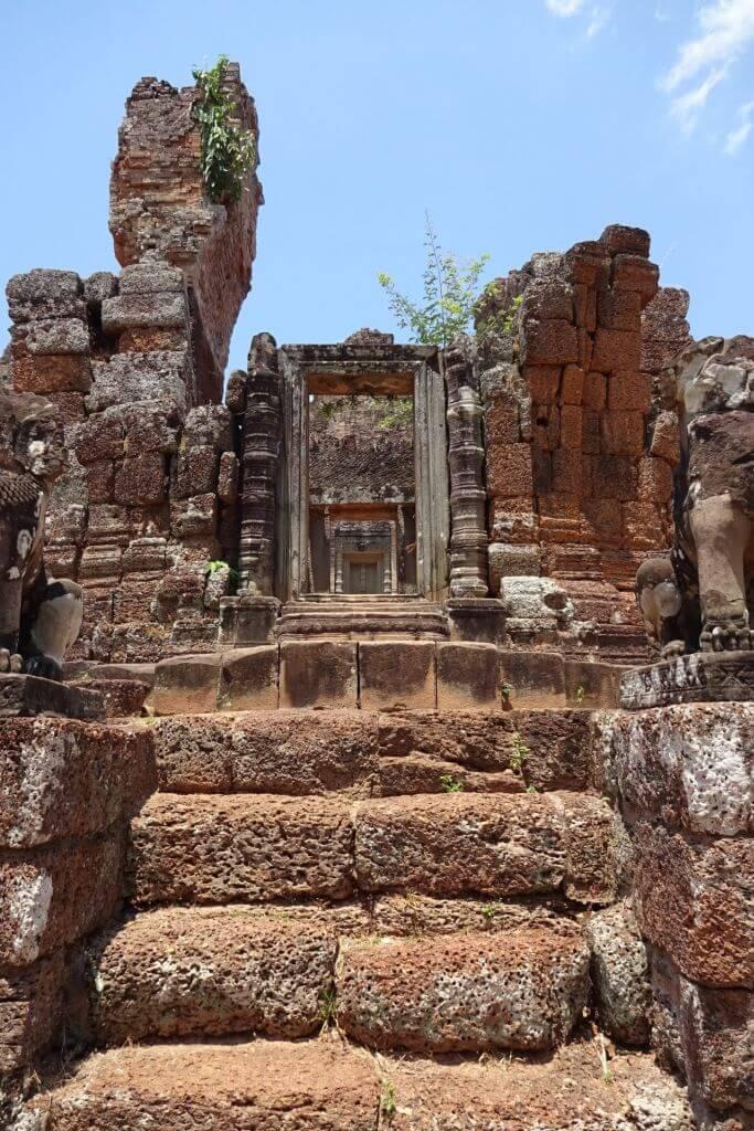 East Mebon Tempelanlage. Bilder und Eindrücke aus Kambodscha - Cambodia, Siem Reap, Angkor Wat, Sihanoukville und Phnom Penh.