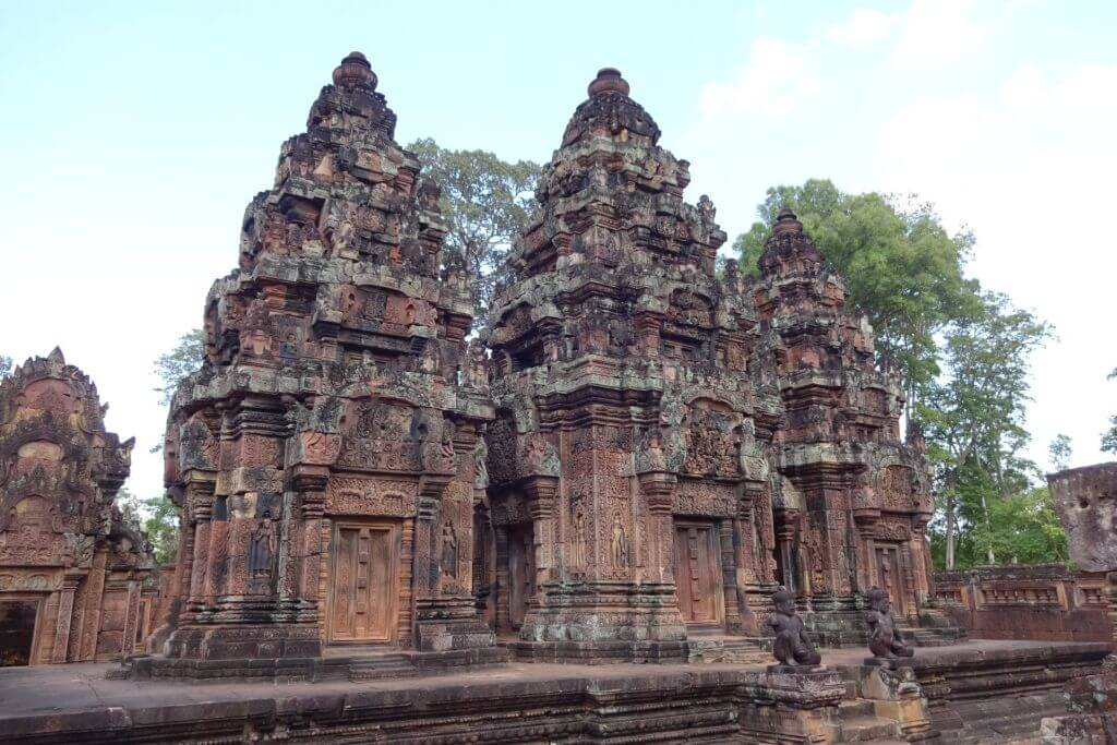 Banteay Srei farbige Tempel. Bilder und Eindrücke aus Kambodscha - Cambodia, Siem Reap, Angkor Wat, Sihanoukville und Phnom Penh.