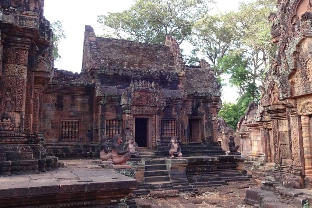 Banteay Srei bunte Tempel. Bilder und Eindrücke aus Kambodscha - Cambodia, Siem Reap, Angkor Wat, Sihanoukville und Phnom Penh.