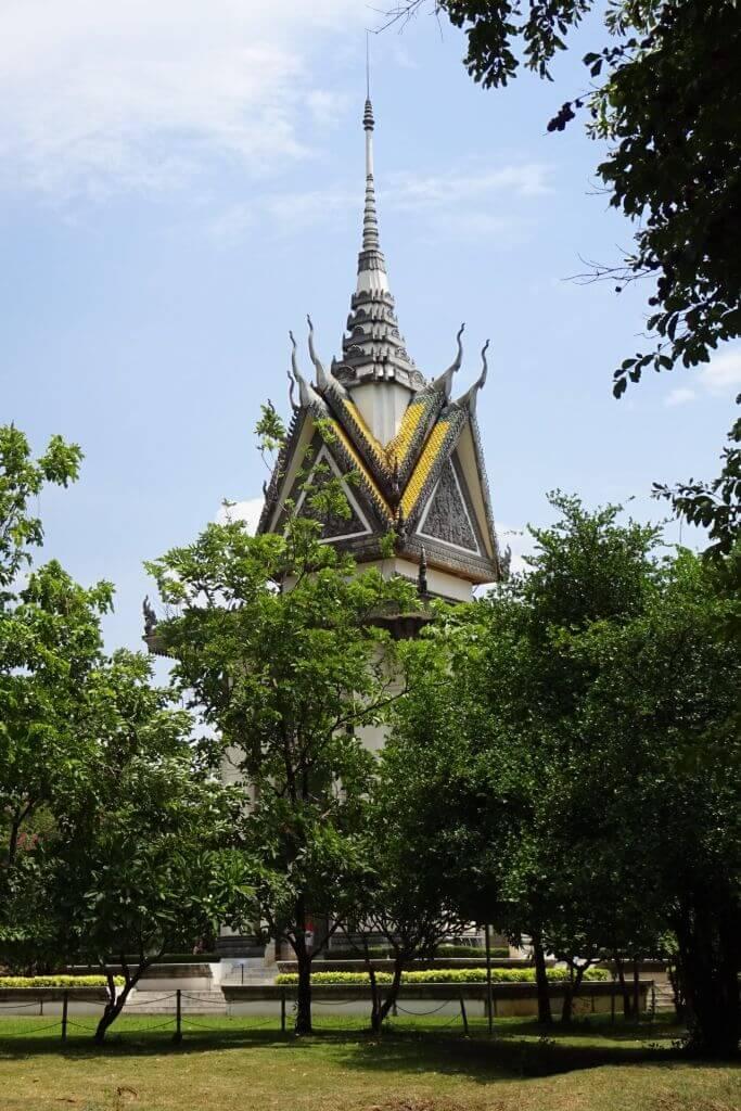 Gedenkstätte in den Killing Fields bei Phnom Penh. Bilder und Eindrücke aus Kambodscha - Cambodia, Siem Reap, Angkor Wat, Sihanoukville und Phnom Penh.
